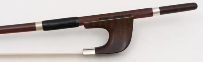 Michael Mönnig*** arco da contrabasso,francese,tallone in legno  serpente,montatura in argento